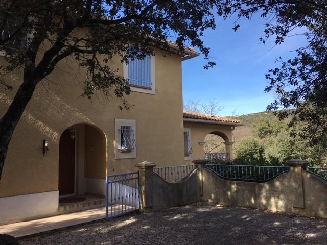 villa avec vue sur les collines sainte anastasie sur issole centre var provence verte grand. Black Bedroom Furniture Sets. Home Design Ideas